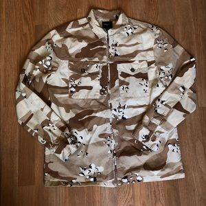 Forever 21 Men Desert Camo Trucker Jacket Size M